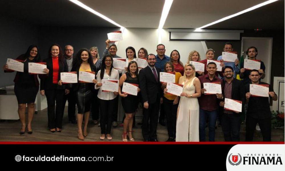 Alunos de RH da FINAMA recebem certificação intermediária